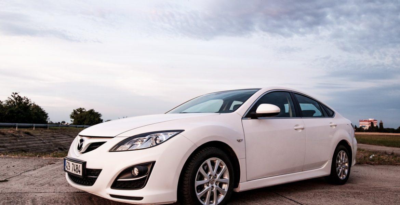 Фотосессия автомобиля для объявления о продаже в Праге и окрестностях